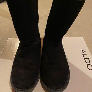 BearPaw Boots Black size 6